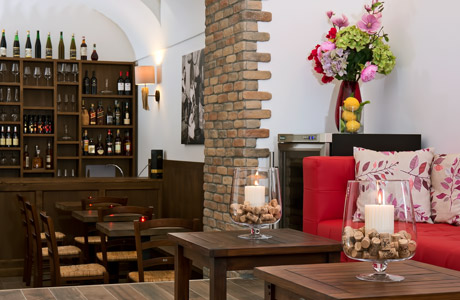 Wine Bar - Capri Wine Hotel